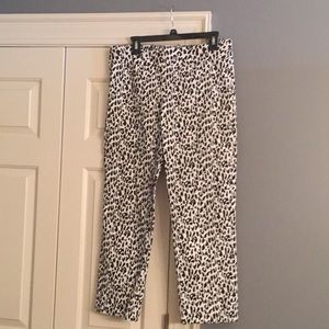 Black and white print ankle pant